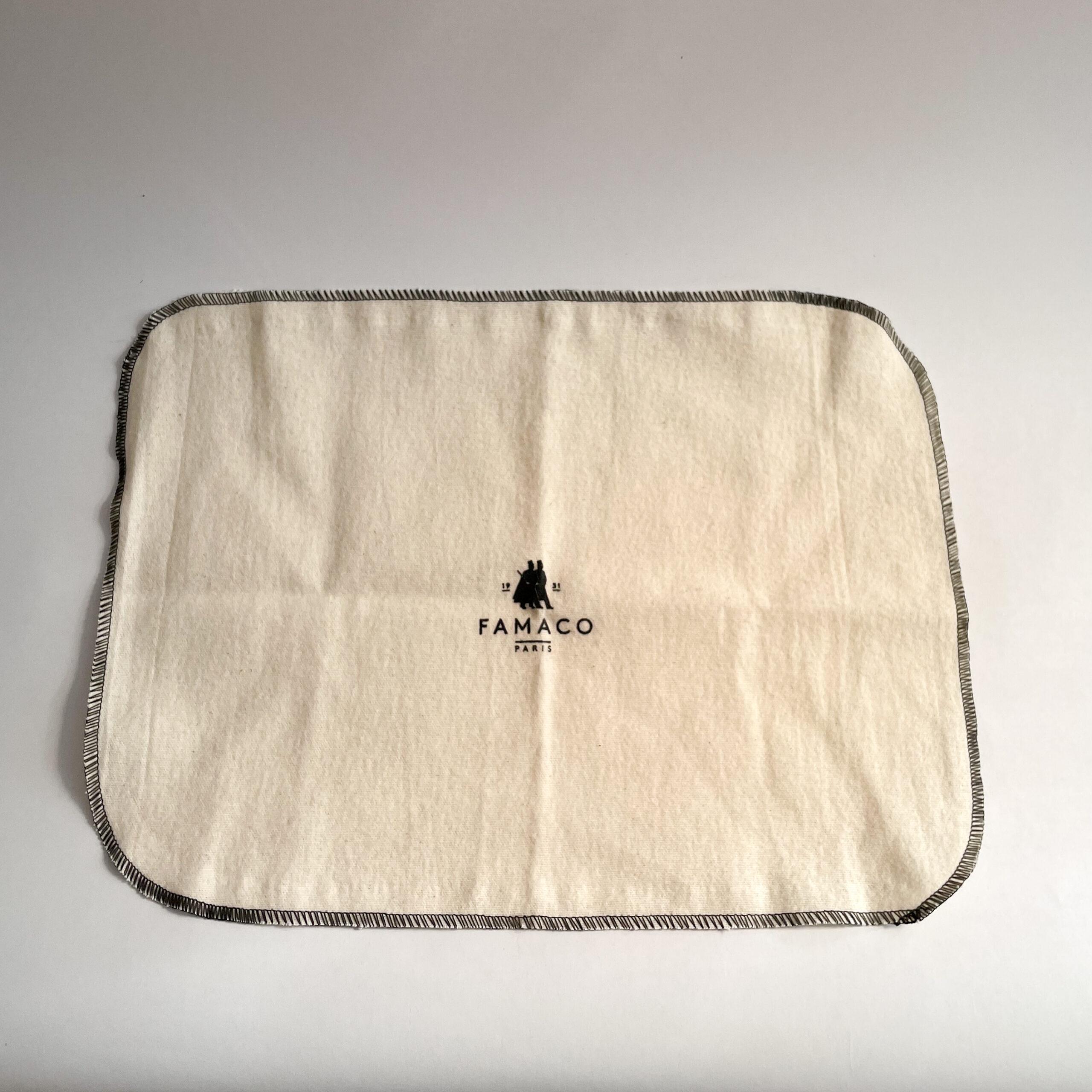 A single Famaco shine cloth