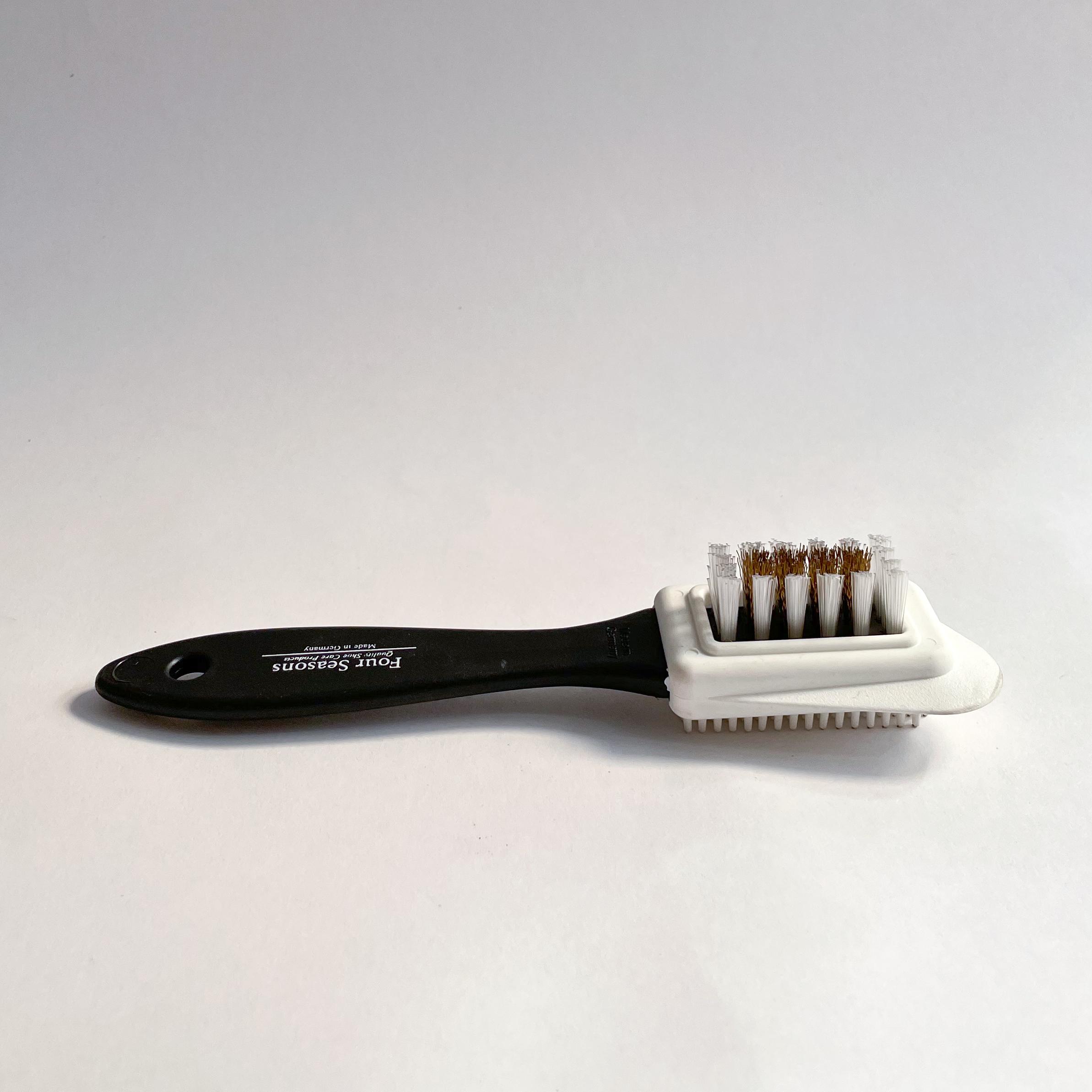 A single Suede Combi Brush